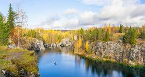 一个峡谷的美丽的景色在Ruskeala 库存图片