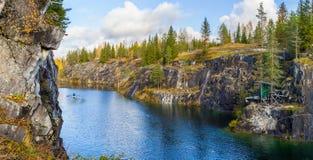 一个峡谷的美丽的景色在Ruskeala 图库摄影