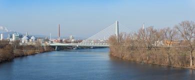 一个工业区的生产设施在法兰克福,德国西部的  库存图片