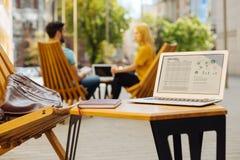 一个工作区的图片年轻企业家的 免版税库存照片