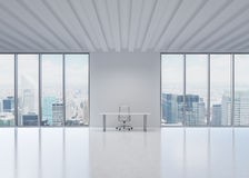一个工作场所在一个现代全景办公室在纽约 图库摄影
