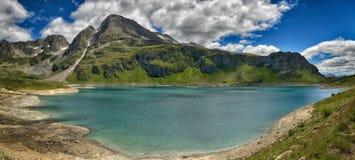 一个巨大风景的Mountain冰河湖 库存照片