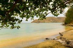 一个平安的海滩场面在加勒比 免版税库存照片