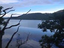 一个平静的湖 库存图片