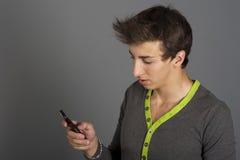 一个年轻人的纵向 免版税库存照片
