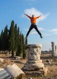 一个年轻游人的画象在雅典,希腊 免版税库存图片