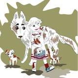一个年轻,快乐的女孩和家庭狗 免版税库存图片
