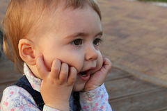 一个幼儿的特写镜头画象 免版税库存图片