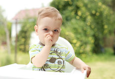 一个幼儿的纵向 库存照片