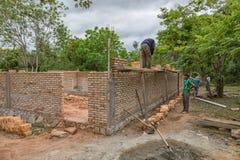 一个建造场所的工作者在巴拉圭 库存图片