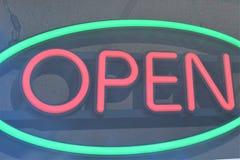 一个开放商标的图象,在窗口后 免版税库存图片