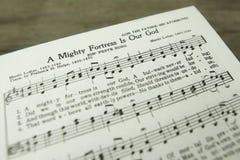 一个强大堡垒是我们的上帝马丁・路德基督徒赞美诗 免版税库存图片