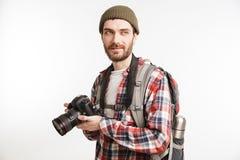 一个微笑的年轻人游人的画象 免版税库存图片