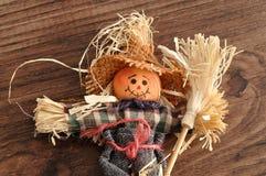 一个微笑的稻草人 库存图片