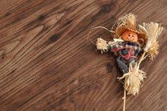一个微笑的稻草人 免版税库存照片