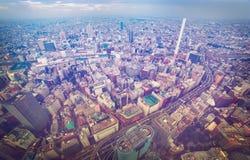一个忙碌的城市的鸟瞰图 免版税图库摄影