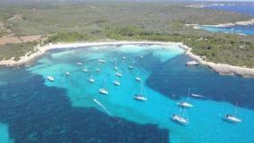 一个惊人的海滩的鸟瞰图在Menorca 库存照片