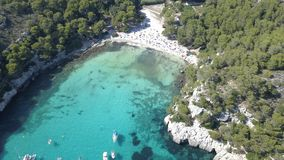 一个惊人的海滩的鸟瞰图在Menorca 图库摄影