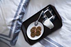 一个懒惰人的2早餐 免版税库存照片
