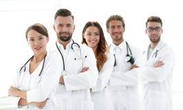 一个成功的小组的画象医生扣留 库存照片