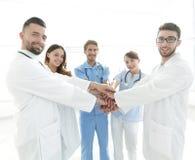 一个成功的小组的背景图象白色背景的医生 库存图片