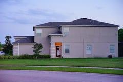 一个房子在太阳集合的佛罗里达 库存照片