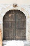 一个房子的前门Kala城堡的在培拉特的 免版税库存图片