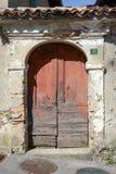 一个房子的老门Sorengo的瑞士的 库存照片