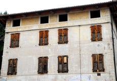 一个房子的门面在威岑扎省的布雷甘泽在威尼托(意大利) 图库摄影