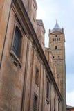 一个房子的门面在波隆纳的中心 免版税库存照片