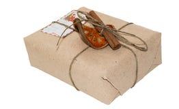 从一个技术文章(纸盒)的原始的礼物包装 图库摄影