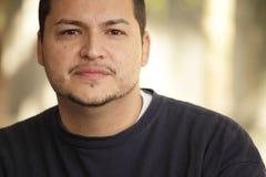 一个拉丁美州的人的Headshot 免版税库存图片