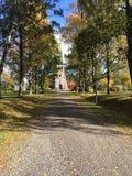 一个教会在一个小城市在挪威 免版税库存图片