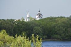 一个教会在森林里在俄国国家 库存图片