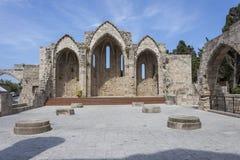 一个教会的古老废墟在罗得岛老镇 图库摄影
