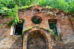 一个教会的废墟在意大利 库存照片