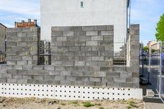 一个新房的具体基础,工地工作看法在准备过程中 库存照片