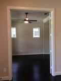 一个新房的空的室 免版税库存图片