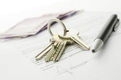 买房子闭合的成交  免版税库存照片