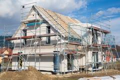 一个新的预制的房子的建筑。 免版税库存照片