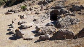 一个新石器时代的坟茔在Montessu的大墓地 免版税库存图片