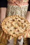 一个新鲜的被烘烤的饼 免版税库存照片