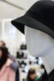 一个时装模特的抽象画象在购物中心的 库存照片