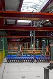 一个普通能源厂的工业内部 免版税库存图片