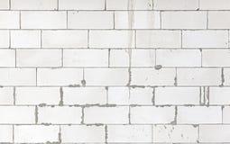 一个最近建造的房子的白色块砖 免版税库存图片
