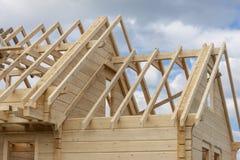 一个木房子的结构建设中 库存图片