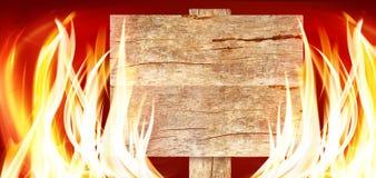 一个木板的图象在火特写镜头的 库存照片