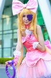 一个未认出的日本芳香树脂cosplay姿势 图库摄影