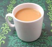 一个杯子加奶咖啡 库存照片