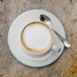 一个杯子咖啡馆拿铁 免版税图库摄影